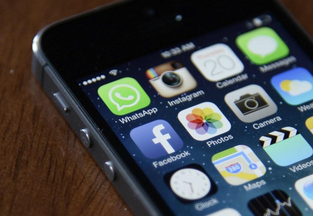 Contacto con empresas vía mensajería instántanea